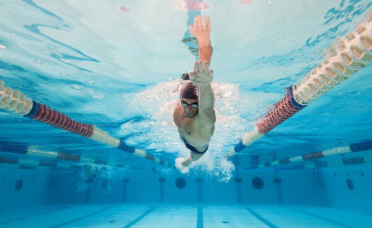 Zwemmen baantjes trekken