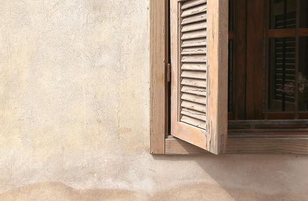 木製的窗戶