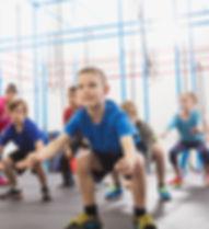 Chilren durante aula de educação física