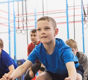 体育授業中の子どもたち