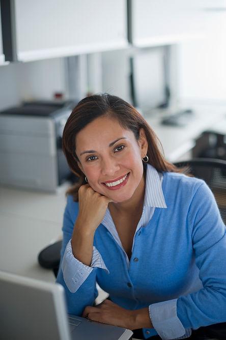Mujer en oficina