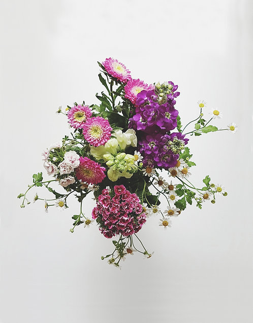 4 Week August Flower Subscription
