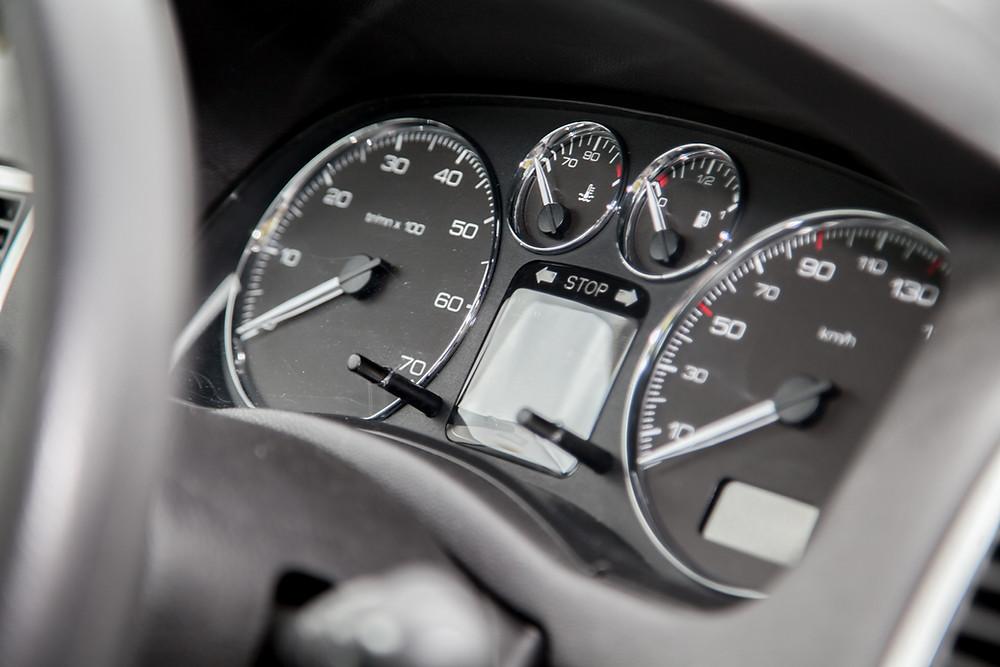 gauge cluster in automobile