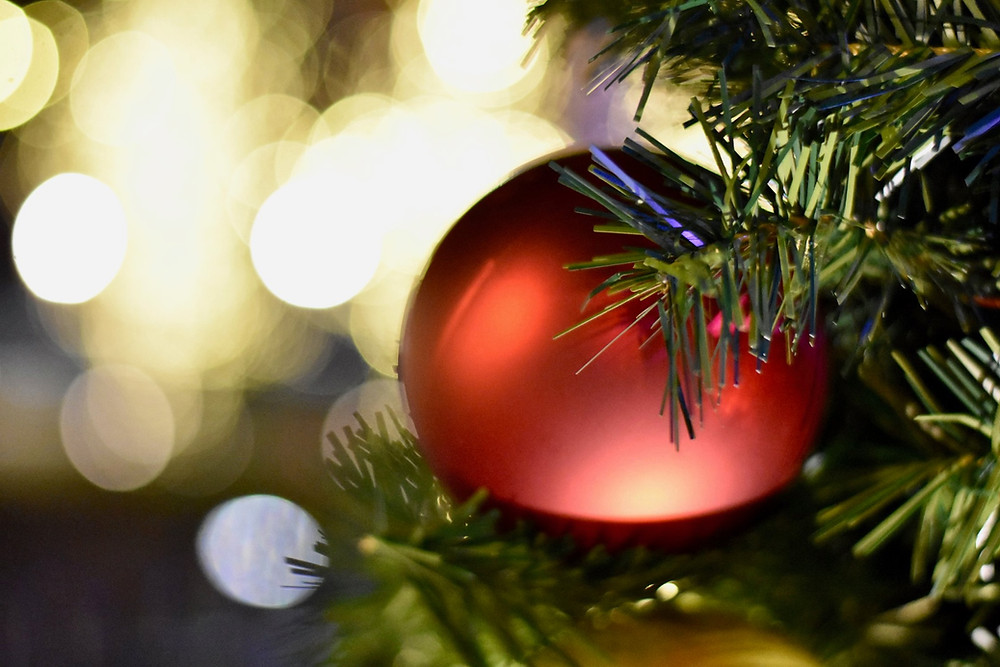 christmas tree, red ornament, christmas lights
