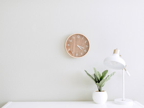 Beginners Guide To a Minimalist Life. 8 Tips to follow Minimalism.