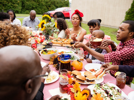 Keeping the Peace at the Family Dinner Table this Holiday