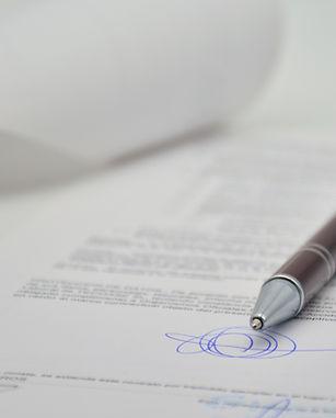 Angelegenheiten des Notars betreffen unter anderem das Grundstücksrecht, das Erbrecht, das Familienrecht, das Vereins- und Gesellschaftsrecht