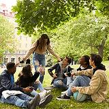 Adolescents dans le parc