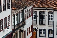 Edfícios coloridos
