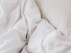 白い羽毛布団