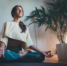 Meditar: Una buena solución para los tiempos actuales.