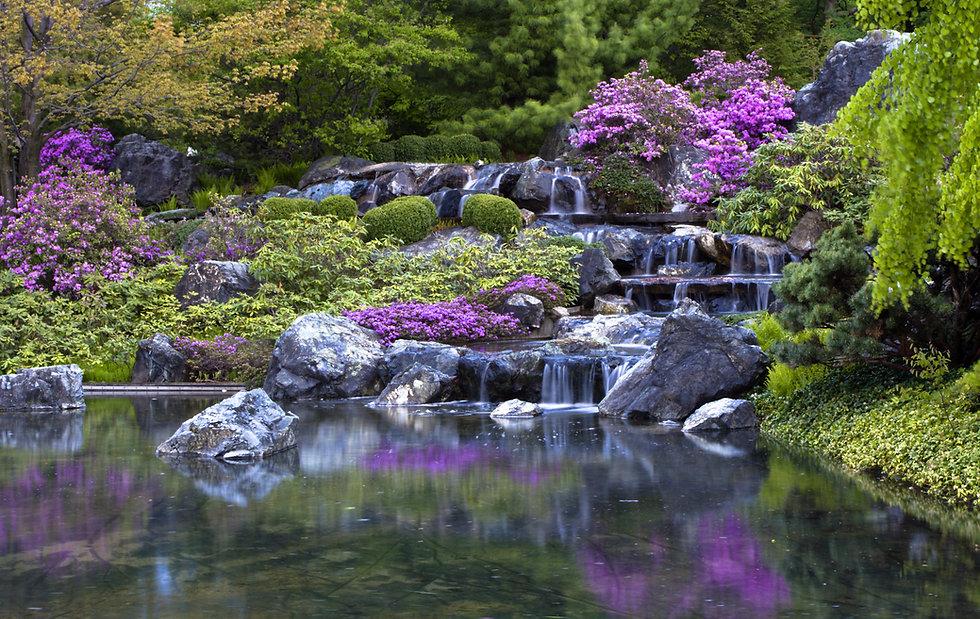 水が流れる庭園
