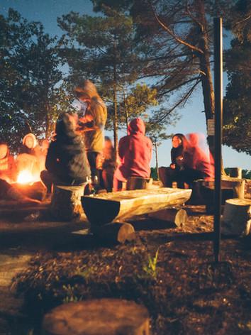 Am Feuerkreis