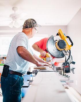 Carpinteros en el trabajo