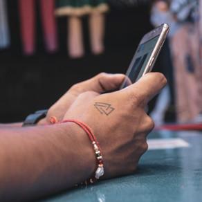 Cómo saber si tu celular está siendo espiado y qué hacer