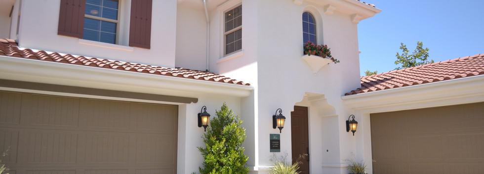 Grande maison avec garages