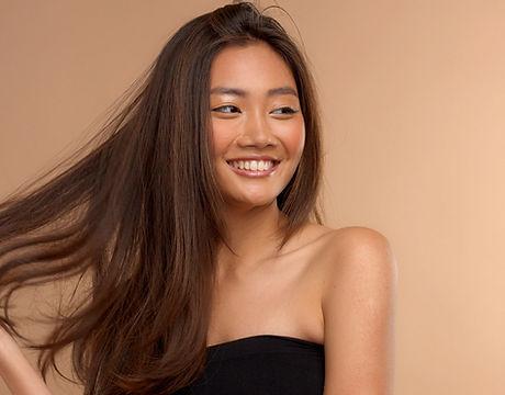 茶色い髪のモデル