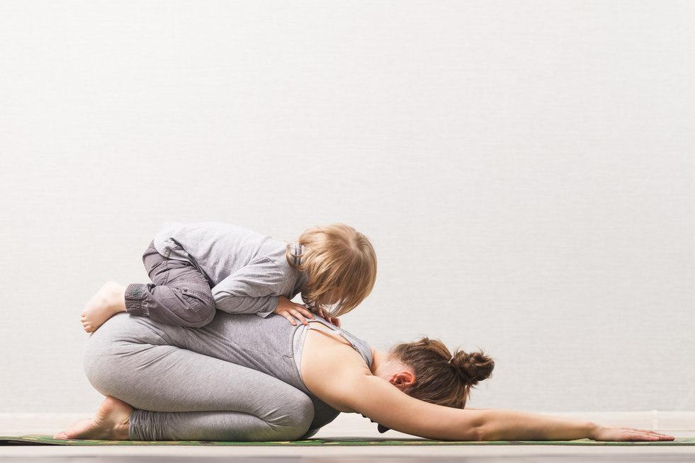 Mutter-Kind-Yoga