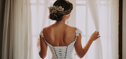 Bagside af brudekjole
