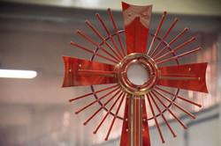 Bohoslužby jsou v kapli slouženy pravidelně každou neděli od 10:30 hod