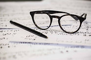 Verres et feuille de musique