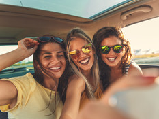 Empowering Tween Girls with Confidence, Connection, and Kindness with Dr. Carli Snyder and Rachel Hoeft, MA