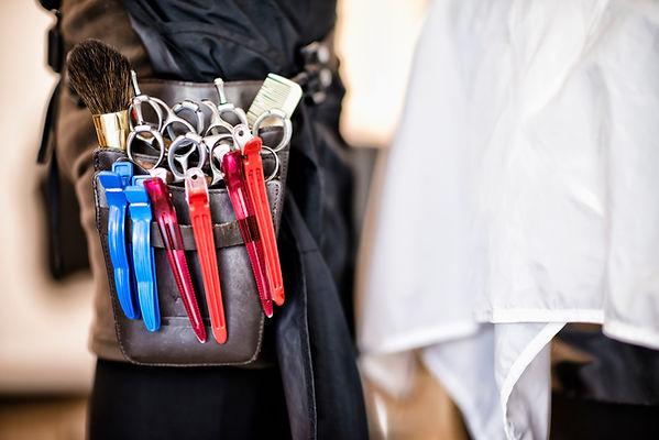 Fryzjer i narzędzia do makijażu