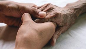 SAM: Dėl sudėtingos epidemiologinės situacijos slaugos paslaugas namuose leista teikti sena tvarka
