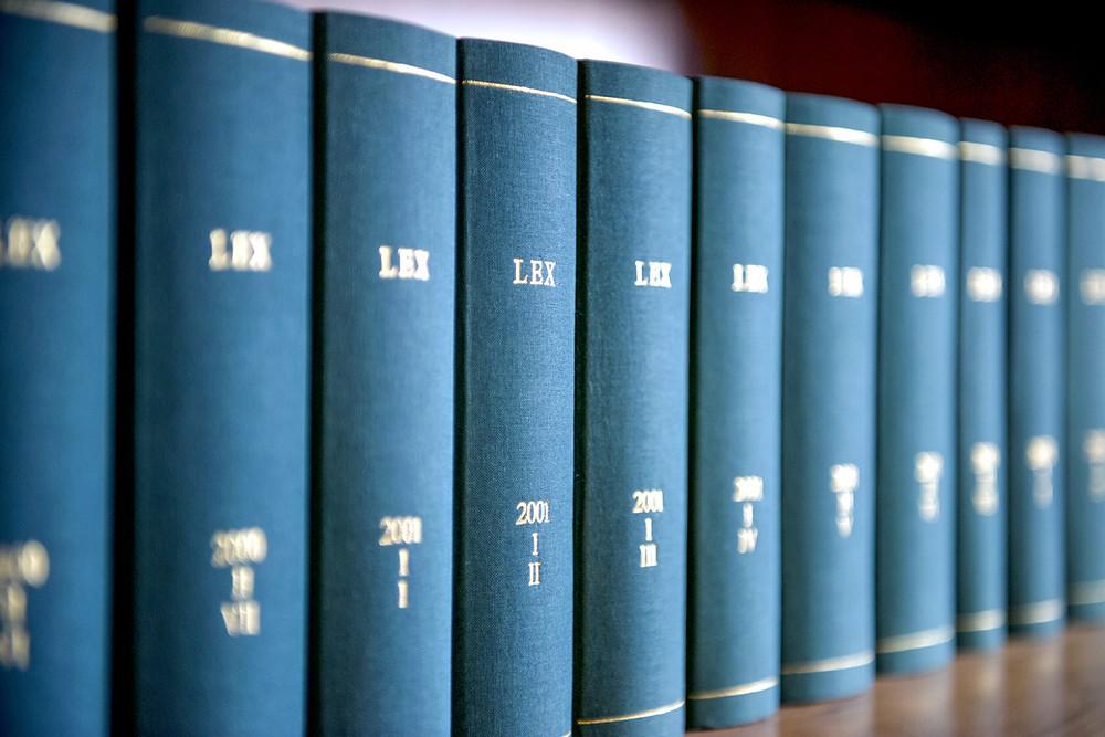 Symbolbild Gesetzbücher