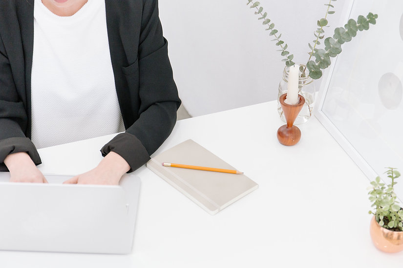 דר לוגי שירותי תרגום ותמלול מקצועיים