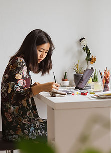 イラストを描く画家