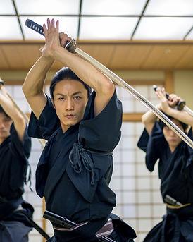 Kampfkunst mit Samuraischwertern