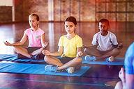 Barn mediterer