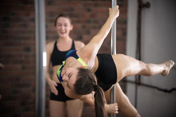 Compétences de pole dance
