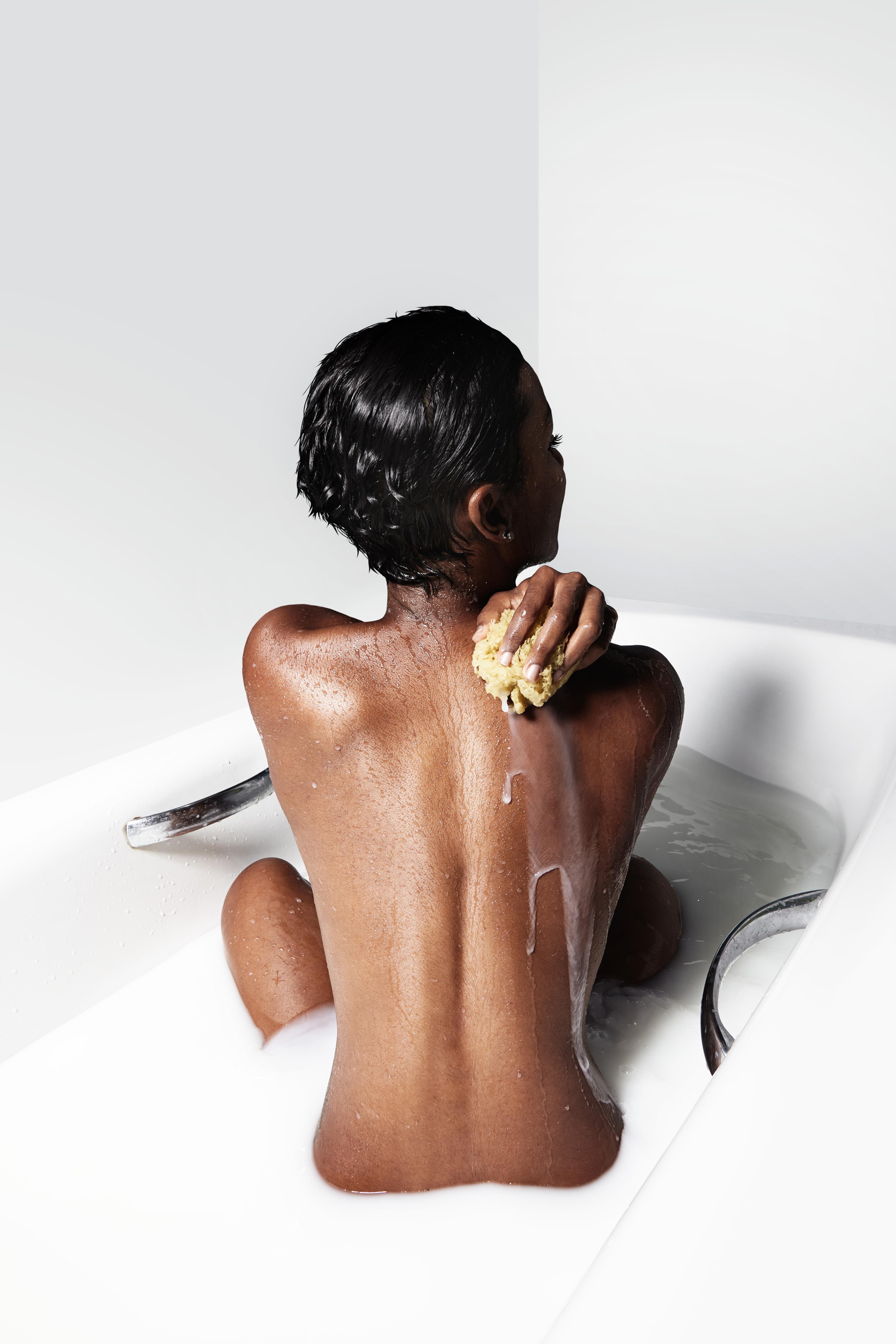 Skin clearing body wash