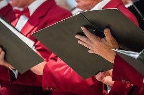 Cantores do Coro da Igreja e Folhas de M
