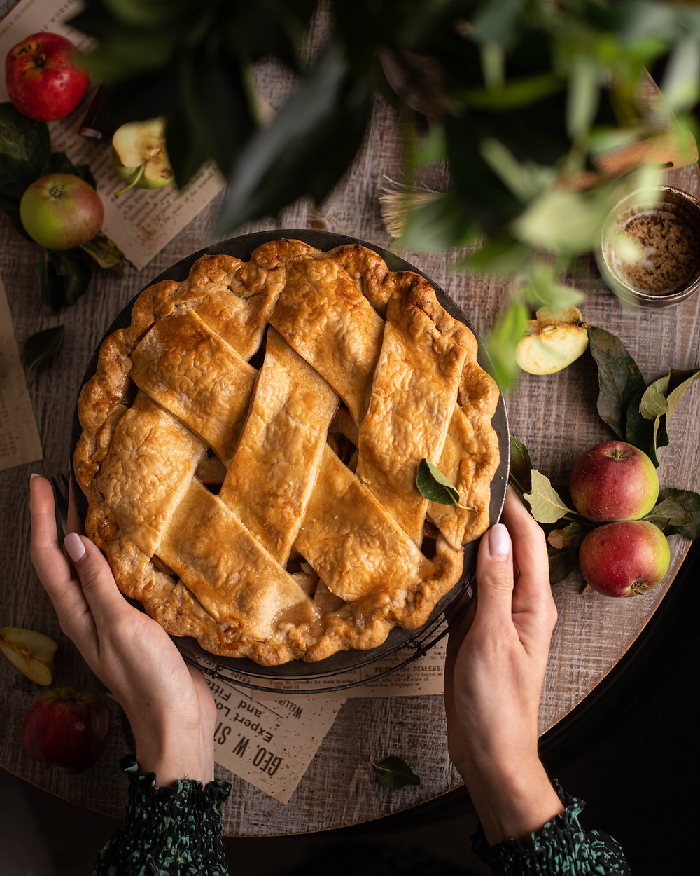 baked apple pie, holiday activities for kids
