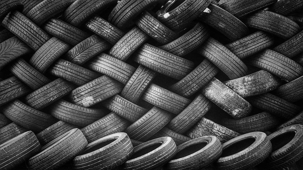 Gestapelte Reifen