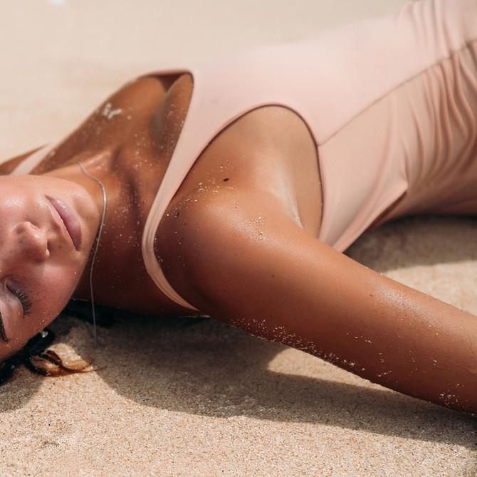 ¿Cuáles son los peligros para la salud de tomar el sol?