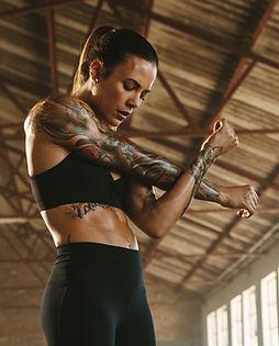 Entrenador de fitness femenino