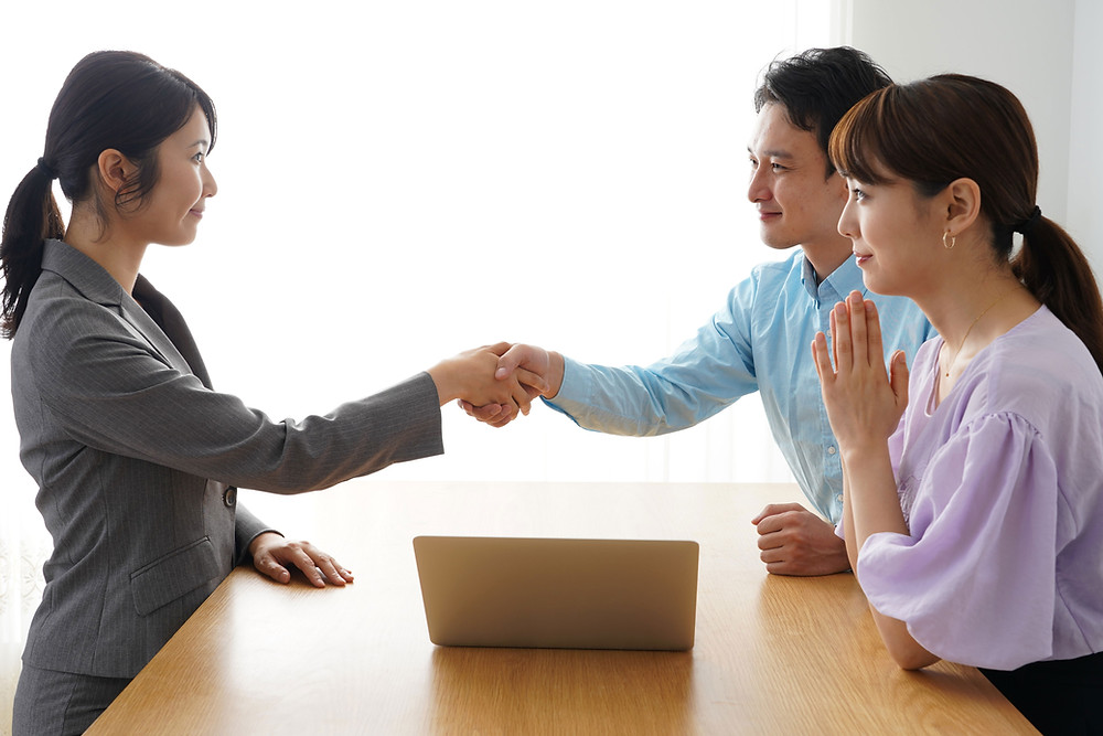 Business meeting introduction |  handshake | small business