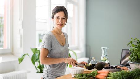 Para quemar más grasas, ¿es bueno o no comer antes de hacer ejercicio?