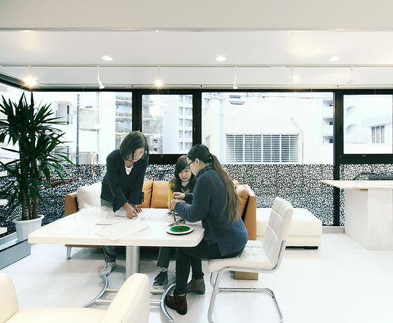 オフィスのテーブルスペース