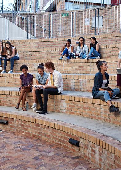 Étudiants qui étudient à l'extérieur