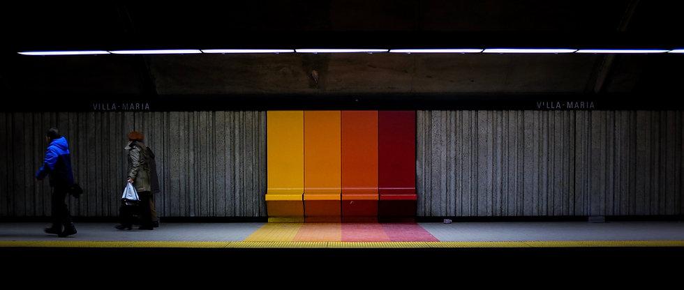 Assentos da estação de metrô