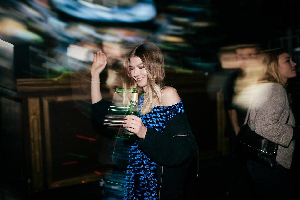 kvinna, dansande
