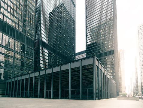 Bâtiment sécurisé avec rondier intervenant de sécurité à Paris