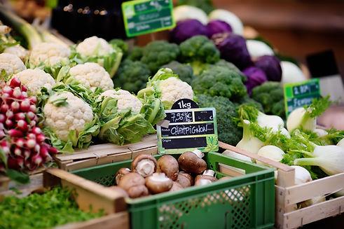 Légumes frais sur une étalage
