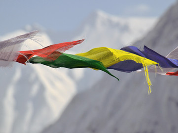 Bandierine Tibetane vietate in Tibet (Cina)