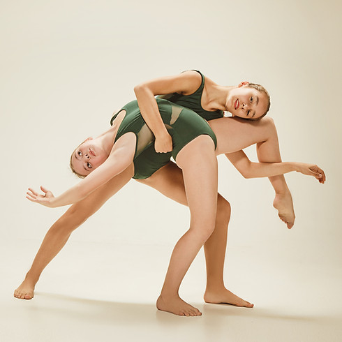 BB I CONTEMPORARY DANCE / DANCE THEATER 6-8 YEARS